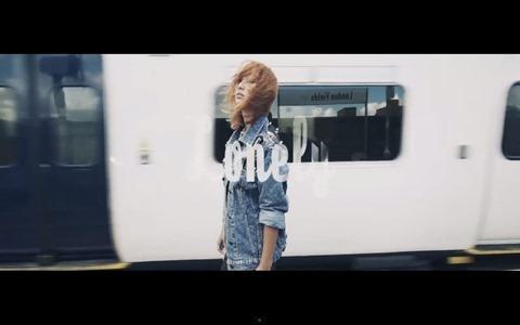 131127sistar-hyorin-soloalbum-loveandhate-lonely01