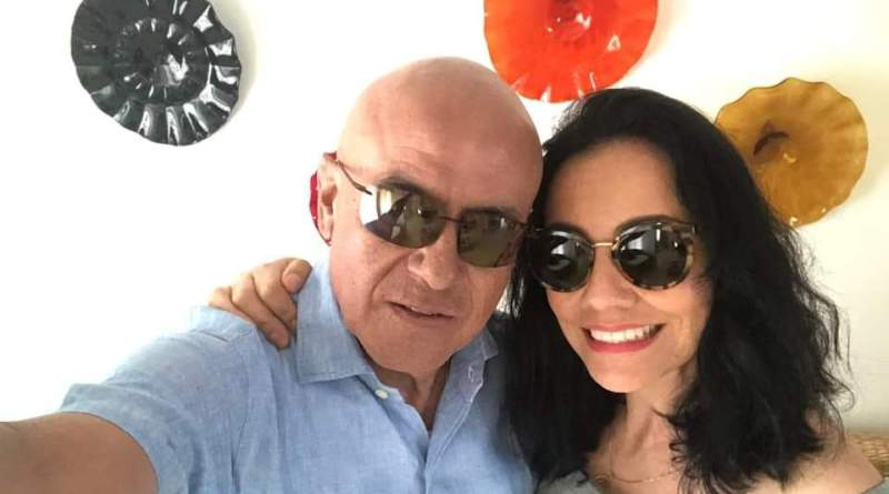 Llama Adriana Hernández a ser solidarios con enfermos de cáncer; comparte foto con Pascual Sigala