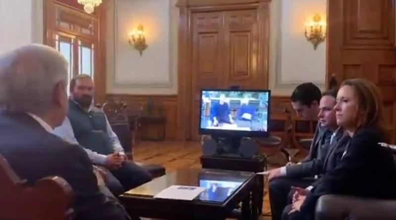 AMLO tiene videoconferencia con el CEO de Facebook; lo invita a plan sobre Internet