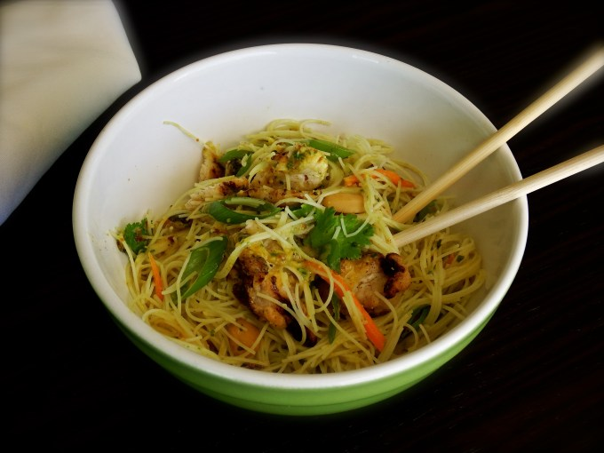Rice Noodle Salad / Curry Raisin Dressing