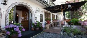 Bio-Hotel Saladina Eingang Gastgarten