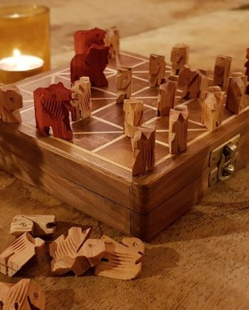 Tigers and Goats Traditional Board Game