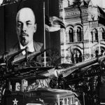 PENGERTIAN KOMUNISME : Ciri-Ciri, Sejarah & Contoh Ideologi (Komunis)