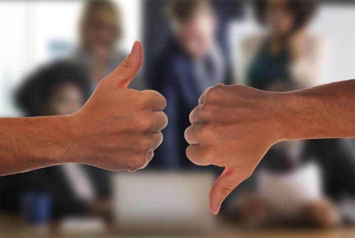 Komunikasi Verbal Dan Non Verbal Pengertian Perbedaan Contohnya Salamadian