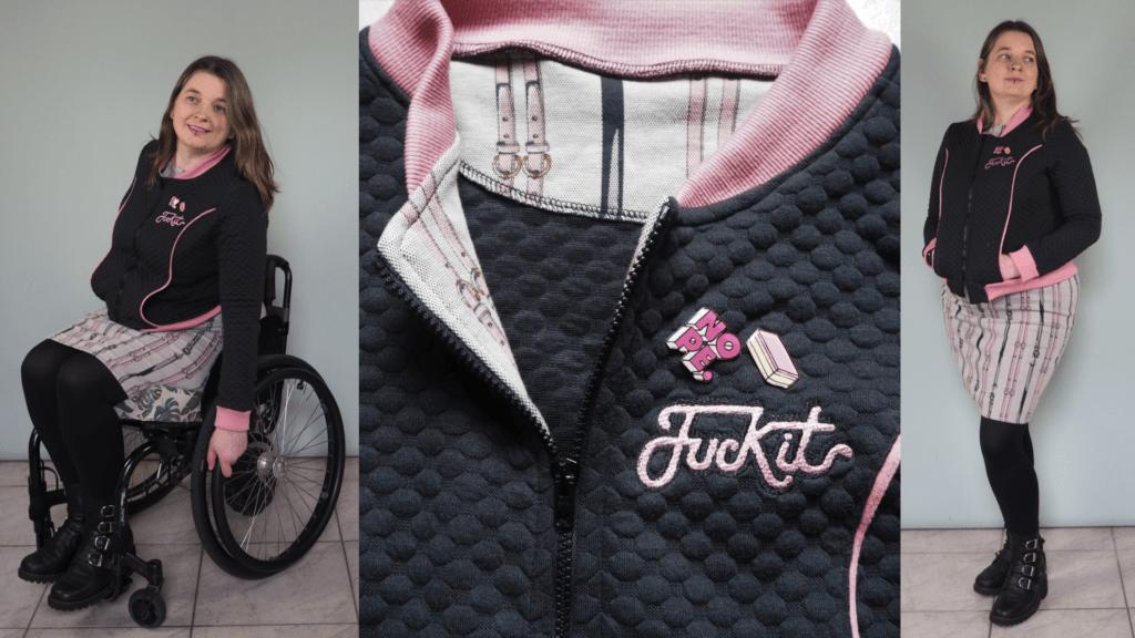 Foto 1 Jacqueline in rolstoel met zwart vest met roze details, foto 2 een close-up van de rits, kraag, borduursel ('Fuck it') en pins, foto 3 Jacqueline staand met zwart vest met roze details, handen in zakken.