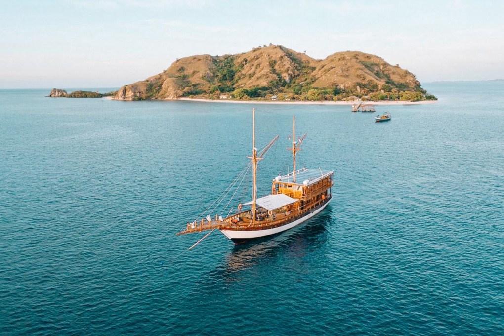 Sewa Kapal Phinisi Gammara Komodo Labuan Bajo