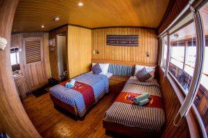 Upper deck Sea Safari VII a