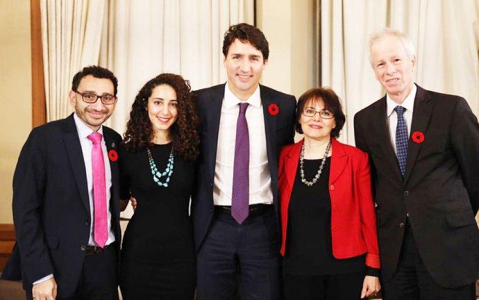 سه شنبه اول نوامبر 2016 ـ نخست وزیر جاستین ترودو در دفتر کار خود با دکتر هما هودفر ملاقات کرد. آقای ترودو در صفحه فیس بوک خود نوشت: «خوشحالم که دکتر هودفر به کانادا بازگشته و سلامت است. دیدار چنین زن شجاعی مایه مباهات است.» در این ملاقات که در دفتر کار آقای ترودو انجام شد، آقای استفن دیان وزیر امور خارجه کانادا، عمر القبرا نماینده می سی ساگا سنتر در پارلمان کانادا و نیز آماندا قهرمانی خویشاوند نزدیک دکتر هودفر حضور داشتند.