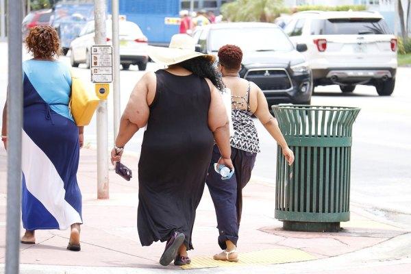 مسلما بهترین راه مقابله با این شرایط کاهش وزن از طریق رعایت یک رژیم غذایی سالم و مناسب است.