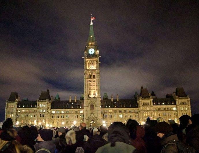 اتاوا ـ اجتماع مردم مقابل ساختمان پارلمان کانادا در همدردی با قربانیان کبک سیتی