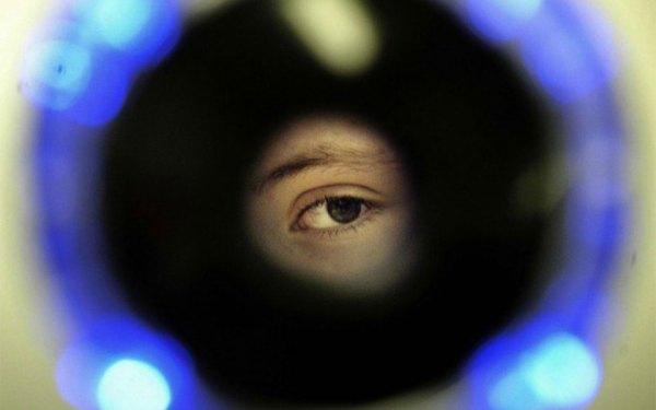 چشم نگاری در فرودگاه پیرسون به کار گرفته می شود