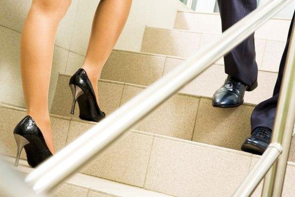همه دستورالعمل های مربوط به لباس و غیره را که فقط شامل خانم ها می شود ـ و نه آقایان ـ کنسل کنید!