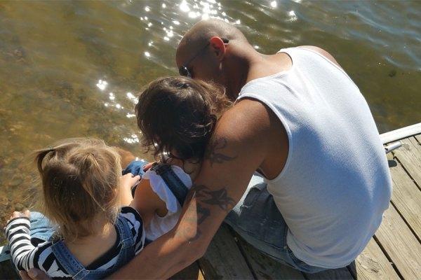 در دورانی که برای اداره یک زندگی نیاز به دو نفر هست، چه خواهد شد اگر شما پدر و یا مادر تنهایی باشید؟