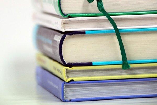 اولویت در کتابها و تکست بوک هایی خواهد بود که نیاز به آنها بیشتر است