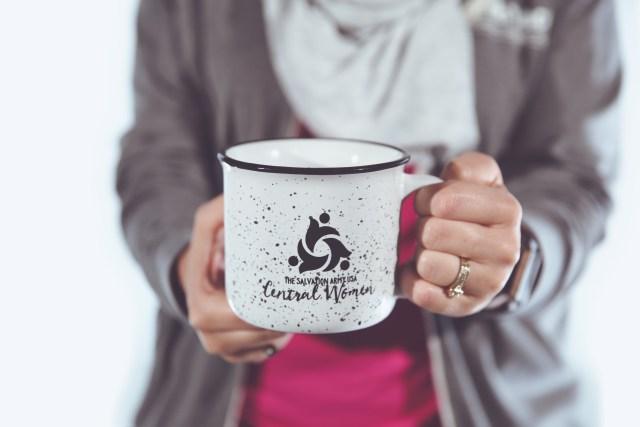 lr embrace mug 02