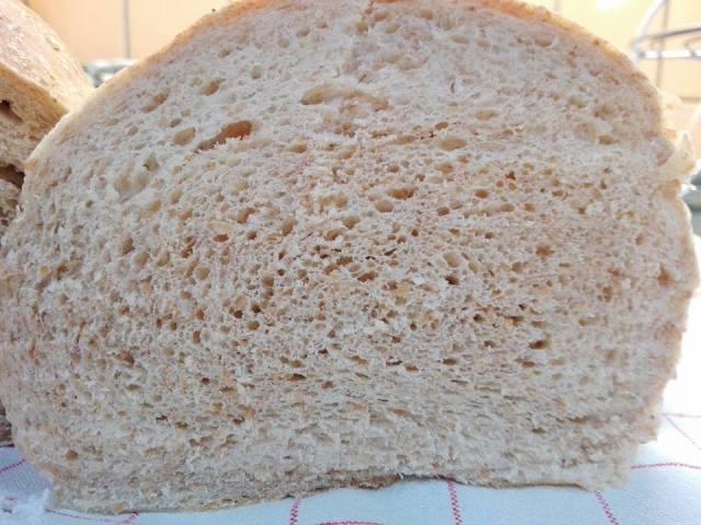 Rozsos kenyér kenyérsütőgépben