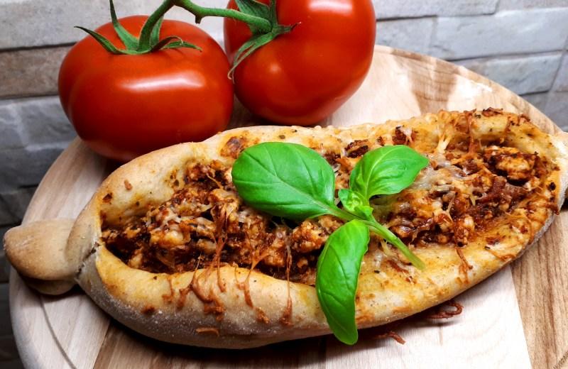 Szénhidrátcsökkentett török pizza készítése