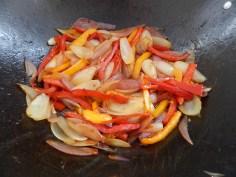 Retire e frite os legumes e depois junte tudo