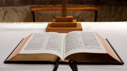cropped-open-bible.jpg