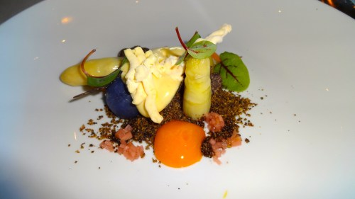 White Asparagus with Warm and Frozen Hollandaise Sauce, Free Range Egg Yolk, Baby Potatoes, and Black Truffle (8/10).