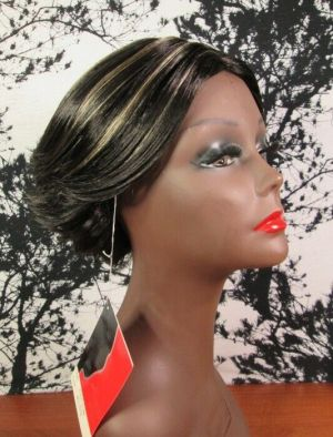 NEW Naomi Sims Black Synthetic Short Lace Front Wig