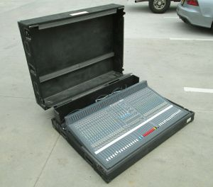 Soundcraft Series TWO 32-Ch Professional Analog Mixer + Power Supply + Road Case