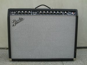 VINTAGE FENDER TWIN REVERB AMPLIFIER BLACKFACE EV-M12L