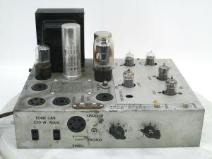 Vintage Wurlitzer Organ Amplifier Model 7044