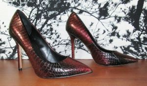 NWT Boutique 9 Women's Pointed-Toe Pumps Heels Justine Red and Black Size 8M