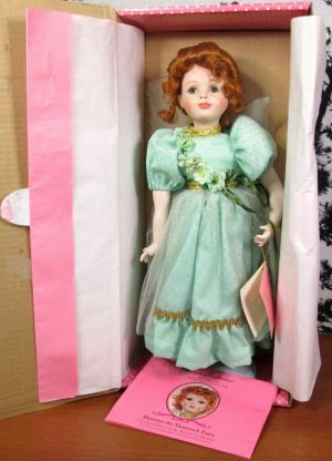 Paradise Galleries Shannon the Shamrock Fairy Porcelain Doll Treasury Collection