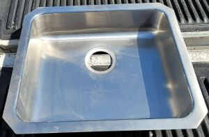 "Elkay ELUHAD191645 Stainless Steel Sink Undermount 19"" x 16"" Basin"