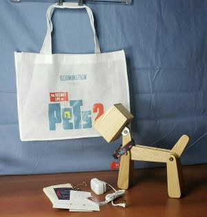 SECRET LIFE OF PETS 2 Movie FYC Promo Wood Dog Lamp Limited Edition + Tote Bag