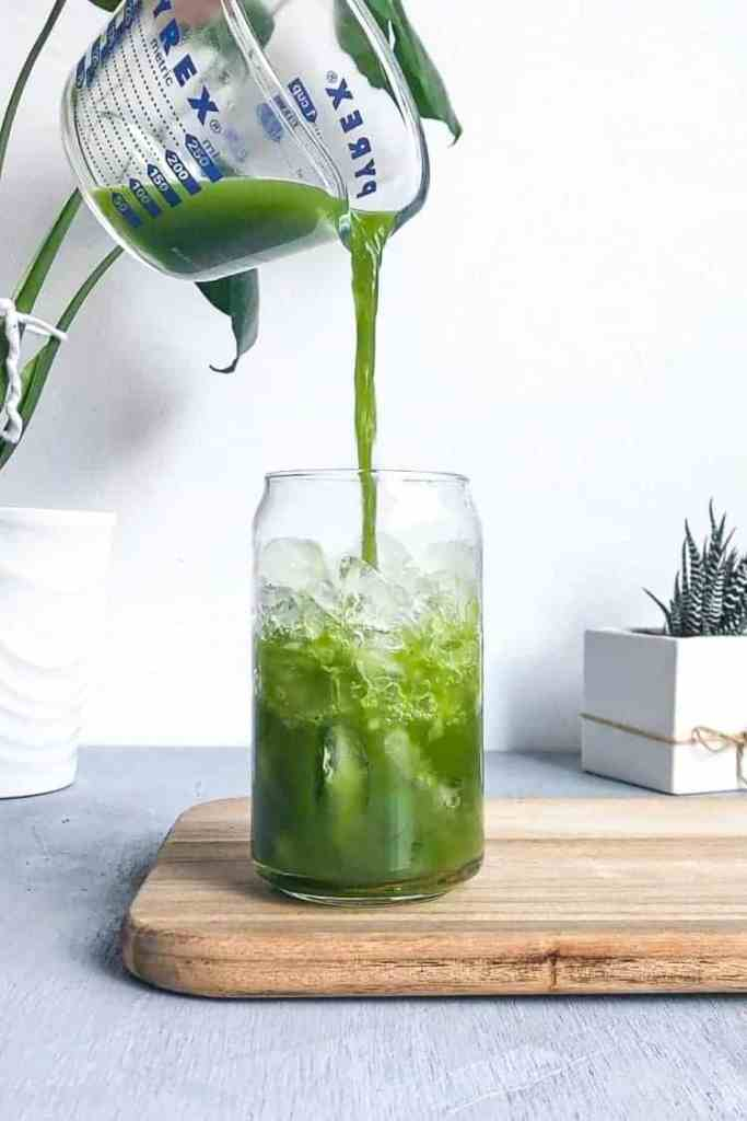 A pour of matcha of ice.