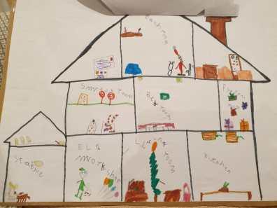 Lydia Santa's House 2
