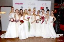 Vackra bröllopsklänningar, vackra brud håruppsättningar och vackra bröllopsbuketter! Brudklänningar från Garamaj of Sweden garamaj.se