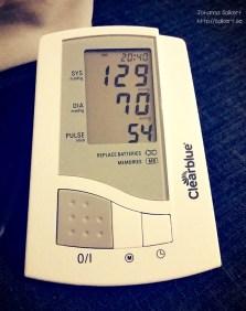 Här kan ni se mitt blodtryck och puls på kvällen när barnen somnat men jag ätit socker. :)