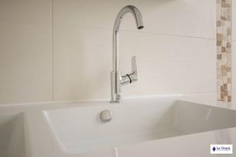 le-grand-plombier-chauffagiste-rennes-bruz-plomberie-amenagement-salle-de-bains-recevur gris-1