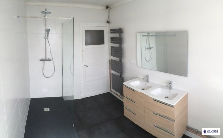 Le Grand Plombier Chauffagiste Rennes Bruz - Salle de bains - Plomberie - Agencement - Salle de Bains - Baignoire d'angle - Brest (2)