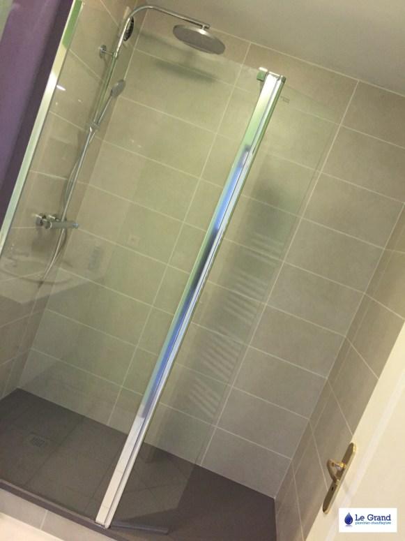 le-grand-plombier-chauffagiste-rennes-bruz-salle-de-bains-rennes-plomberie-agencement-salle-deau-receveur-acquabella-stone-tango-1