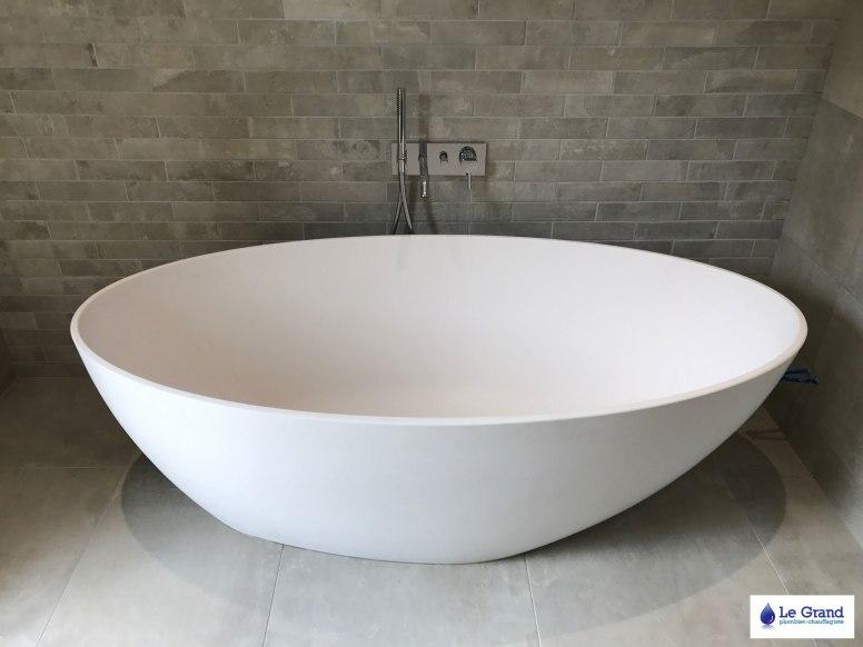Le-Grand-Plombier-Rennes-Rénovation-salle-de-bains-cesson-sevigné-baignoire-ilot (1)