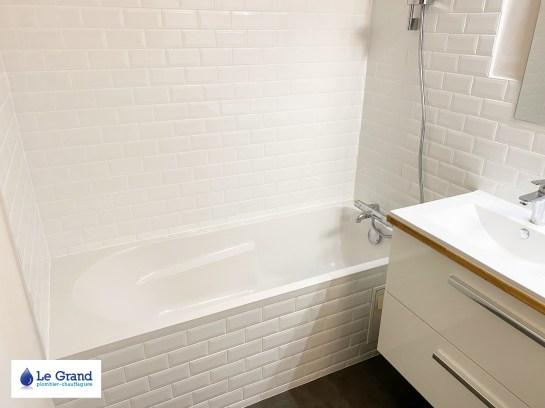 salle-de-bains-le-grand-rennes-metro-plan-de-travail-sur-mesure-meuble-salle-de-bains-bois-sol-lvt-forbo (2)