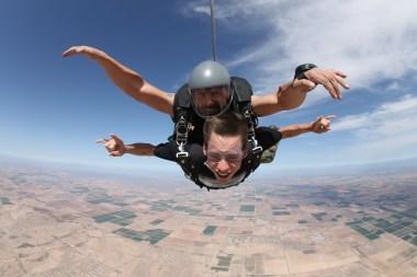 Skydiving 144