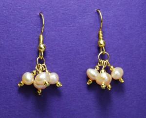 Triple drop earrings with pearls