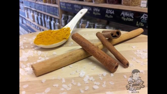 Sally Pepper especias receta para arroz amarillo con pasas:canela,curcuma y sal