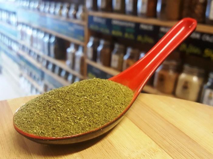 sally pepper-spices-tienda-especias-madrid-hojas-moringa-molida-polvo