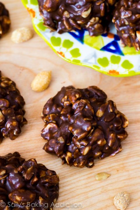 These 7 ingredient fudgy no-bake cookies taste like candy bars. Gluten free and no refined sugars!