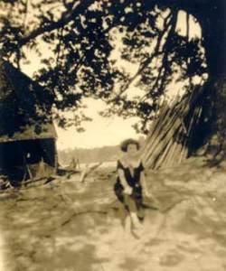 1920-Julia-big-oak