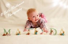 Tilly32-background-blur