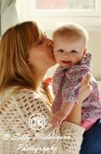 Sally Widdowson Photography family portrait mum and baby photoshoot