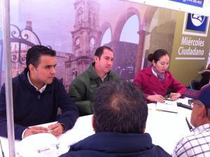 Carlos Antonio Arredondo Muñoz (derecha)
